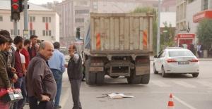 Kahramanmaraş'ta hafriyat kamyonunun çarptığı yaya öldü