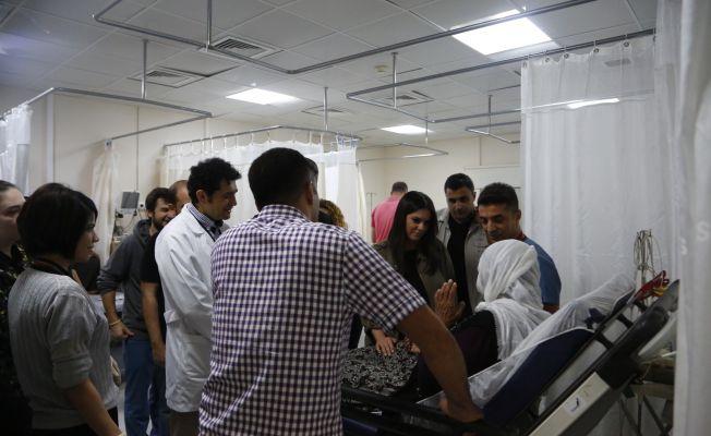 AK Parti Genel Başkan Yardımcısı Sarıeroğlu'ndan Adana'da hastane ziyareti