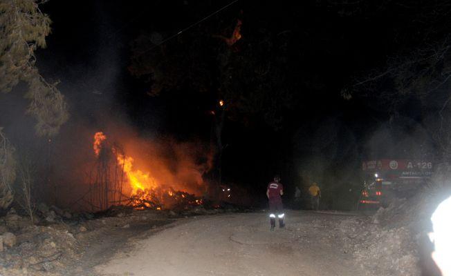Antalya'nın Kumluca ilçesinde orman yangınları