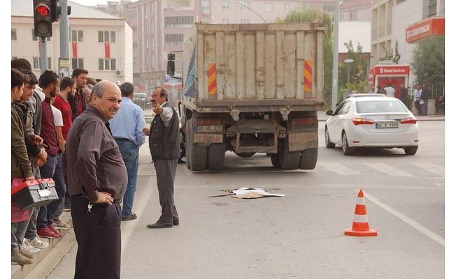 Kahramanmaraş'ta hafriyat kamyonunun çarptığı yaya hayatını kaybetti