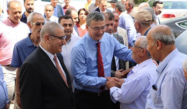 Celalettin Güvenç Pazarcık'ta vatandaşlarla bayramlaştı