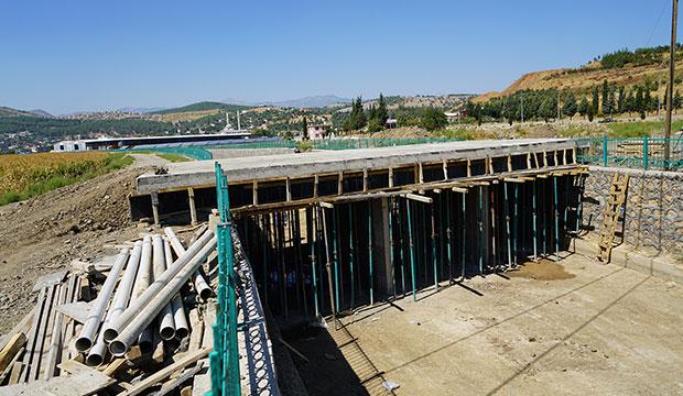 K.Maraş'ta Hastaneye Giden Köprü Tamamlanıyor
