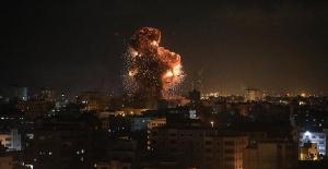 İsrail jetleri El Aksa televizyonuna saldırı!