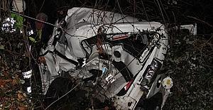 Otomobil Hurdaya Döndü; 1 Ölü 2 Yaralı