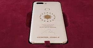 Bu Telefon Cumhurbaşkanı Erdoğan'a Özel Üretildi