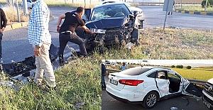 K.Maraş#039;ta İki Otomobil Çarpıştı;...