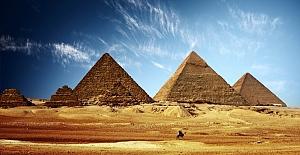 Mısır Piramitlerinin Yanında Patlama:16 Yaralı!