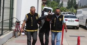 Adanalı Gaspçıyı Dövmesi Yakalattı