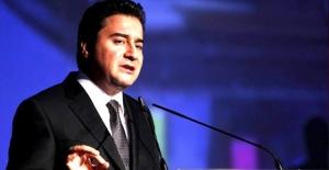 Ali Babacan yeni parti kurma kararını erteledi mi?