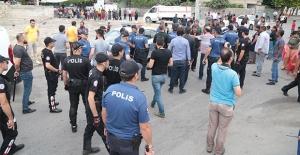 Kahramanmaraş#039;ta Kavga: 200 Kişi...
