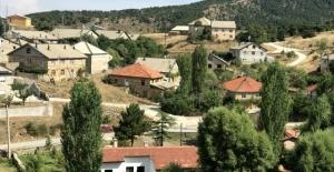 Tüm Türkiye O Mahalleyi Konuşuyor:35 Haneli Mahalleden 25 Doktor Çıktı